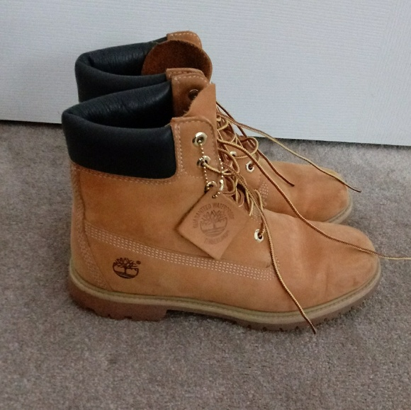 Women s Timberlands. PRICE FIRM. M 5b524392194dad097f20390e ee67d1512f